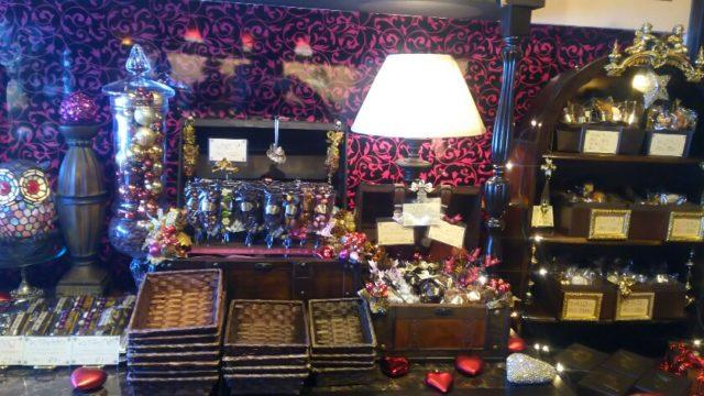 リュミエールエオンブルの店内の焼き菓子コーナー