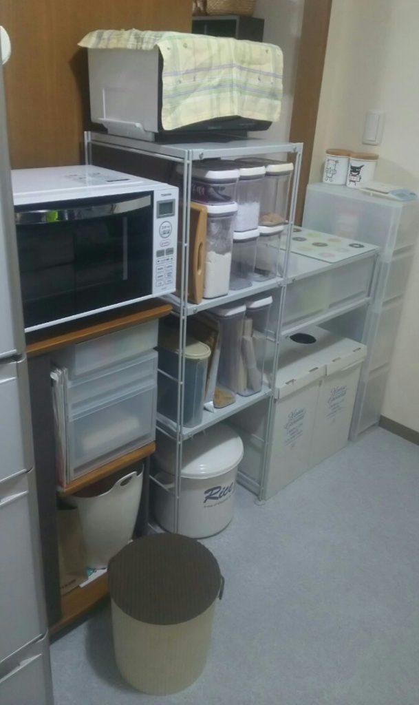 キッチンのユニットシェルフ