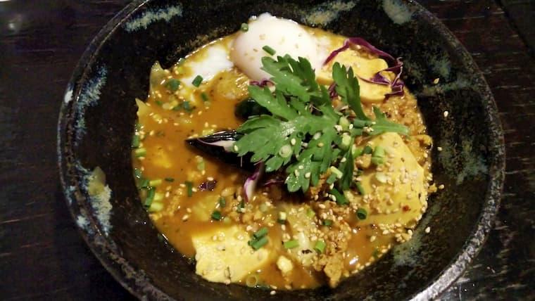 温玉挽肉納豆豆腐のカリー
