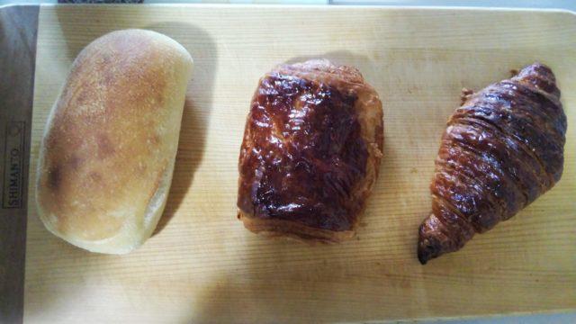 チャバタとパンオショコラとクロワッサン