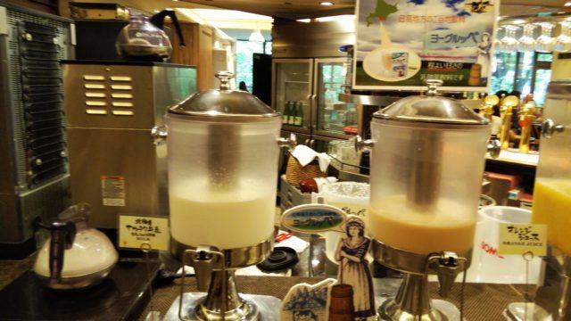 牛乳とヨーグルッペのタンク