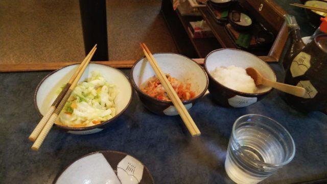 白菜の漬物とキムチと大根おろしの小鉢3品