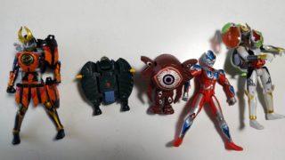 仮面ライダーガイムのフィギュアとウルトラマンギンガとウルトラエッグ2体
