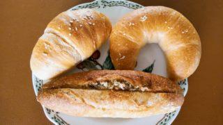 塩パンとガーリックトースト