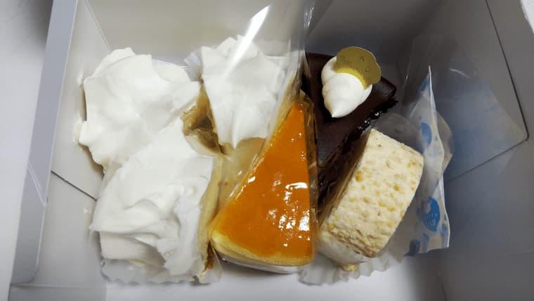 箱の中のケーキ6個
