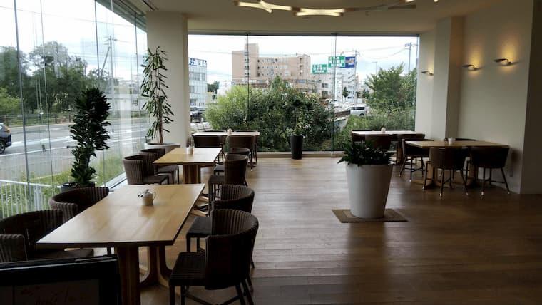 清田店のカフェスペース