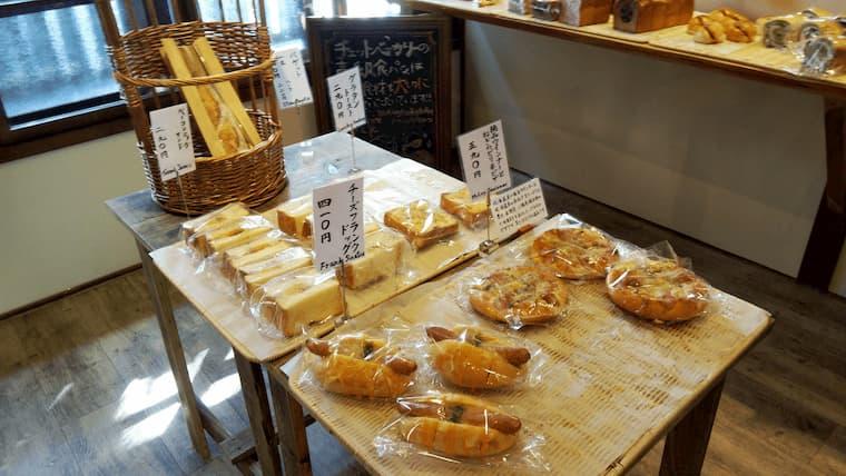 中央のパンコーナー