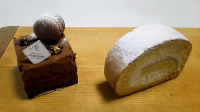 羊ヶ丘ロールとチョコレートケーキ