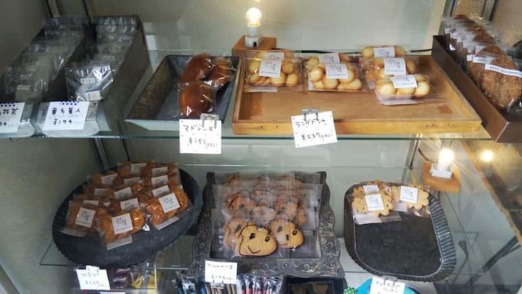 マドレーヌやクッキーなどの焼き菓子